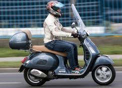 VESPA 300 GTS - 2017 (Totalbike teszt)
