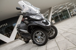 PIAGGIO MP3 500 BUSINESS LT (Totalbike teszt)